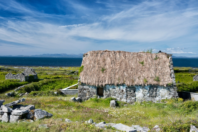 Inishmore Thatched Cottage